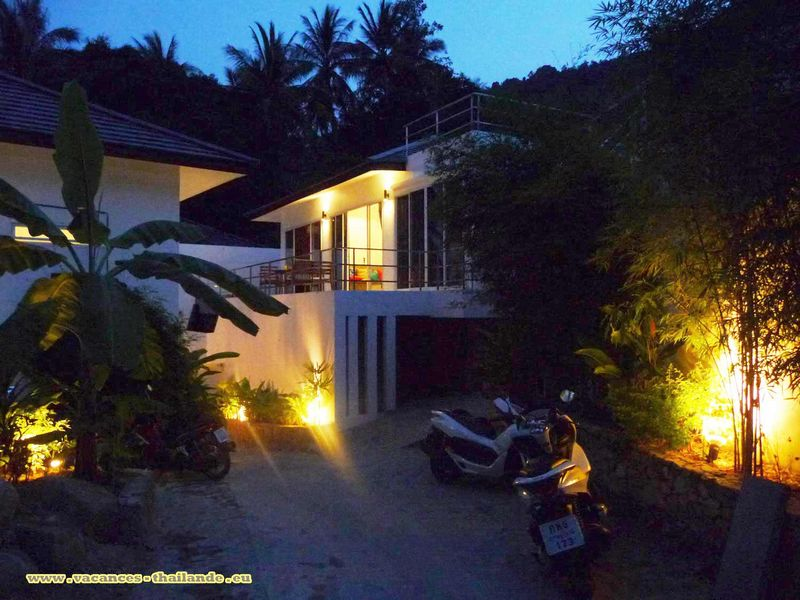 Photo 47 English cheap rental pool villa Koh Samui thailand view the nuit.